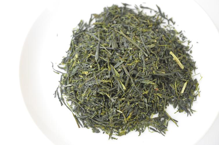 荒茶はまさに茶畑から収穫したお茶