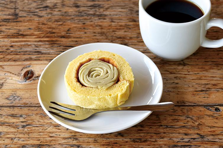お召し上がりイメージ しまんと地栗 紅茶 ほうじ茶 ロールケーキ 個包装
